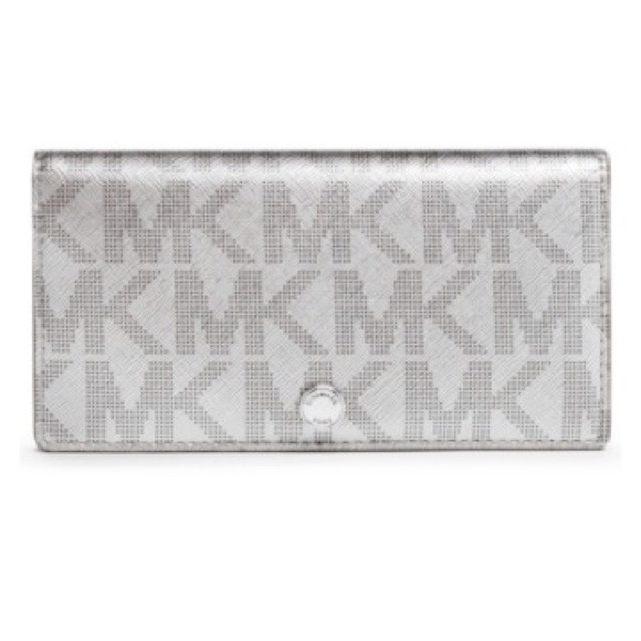 eab9e6d38f93 MK wallet  available in rose pink and silver color