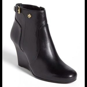New Tory burch booties, not sell just sharing :)