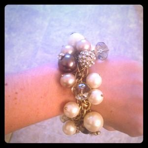 Stella and Dot gold braclet