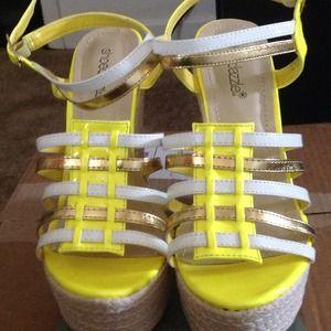 Price Drop! Shoedazzle Ivie Wedge