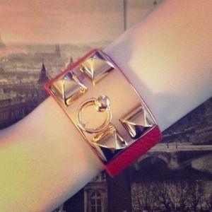 Accessories - Cuff bracelet