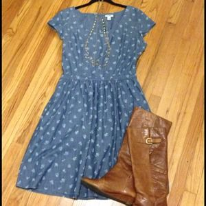 Old Navy Dresses & Skirts - Denim and delicate flower dress.