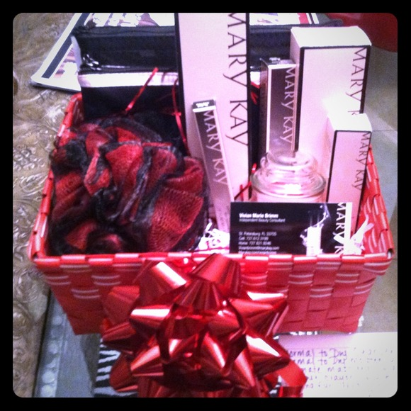 4 off accessories mary kay gift baskets from vivians closet on mary kay gift baskets negle Gallery