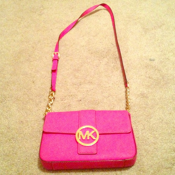 Small hot pink Michael Kors cross body bag. M 5293cf1653bc251bf107296f ee7e31453947