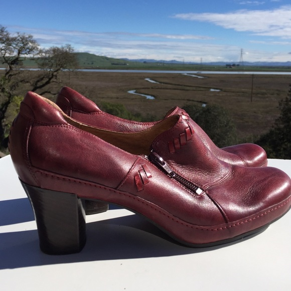 cd787fed15 Clark's Shoes | Clarks Artisan Maroon Red Loafers Heels Clogs 95 ...