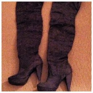 Boots - Gray faux suede boots