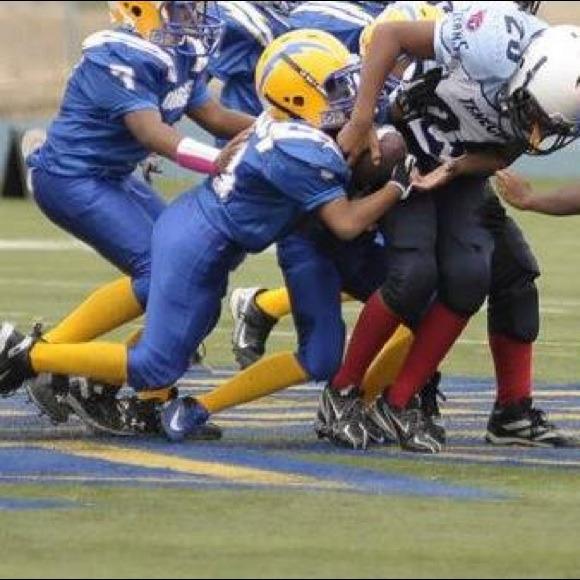 kids football under armour