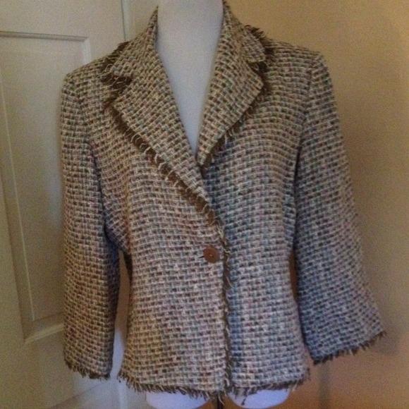 JG hook Jackets & Blazers - 🍁HP🍁Tweed Jacket with fringe Trim pretty colors