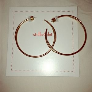 Stella & Dot Gold Signature Hoops