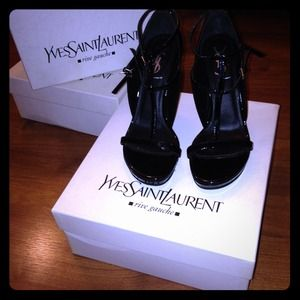 Yves Saint Laurent Shoes - Yves Saint Laurent patent pumps/sandals