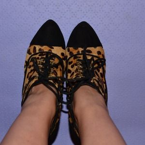 Fergie Gatsby Too Leopard Ankle Booties!