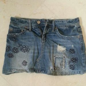 SALE! American Eagle mini skirt