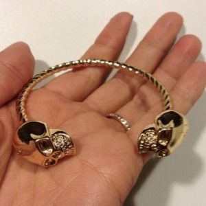 Jewelry - Gold Twisted Skull Bracelet