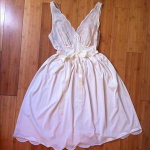 Vintage Vanity Fair Night Gown