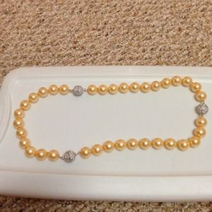 Jewelry - ⬇️Necklace or bracelets