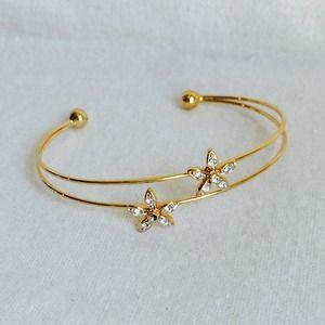 Jewelry - Adorable Gold Flower Rhinestone Bracelet