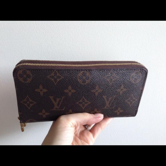 e8ba65c51721 Louis Vuitton Clutches   Wallets - Pending Sale Louis Vuitton double zip  wallet