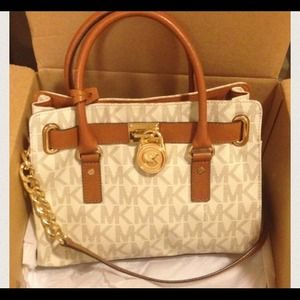 Looking for Michael Kors Hamilton