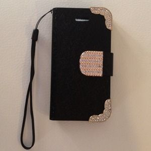 Clutches & Wallets - Flash sale 🔴Iphone 4,4s wallet case🔴
