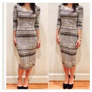 Dresses & Skirts - Aztec Print Dress 😍
