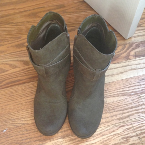 "Shoemint Shoes - ShoeMint Olive Green ""Emma"" Booties Size 8.5 4"