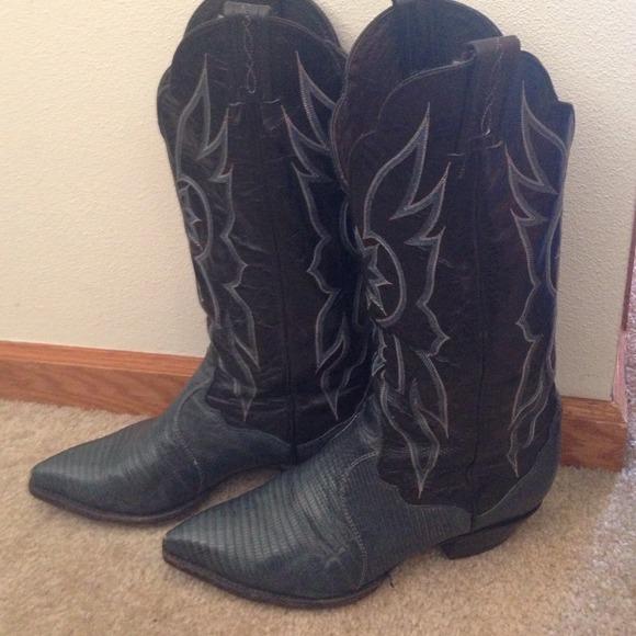 8c2d242a526 Tony Lama Snakeskin cowboy boots