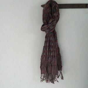 Versatile striped scarf