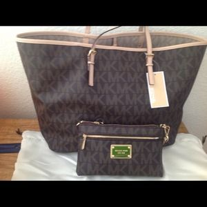 Authentic MK new!!