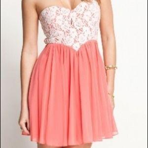 Dresses & Skirts - *🎉Host Pick🎉 White Lace and Salmon Dress