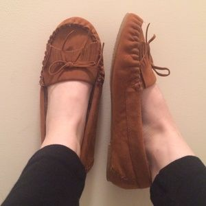 Shoes - NWOT*Size 9 Moccasins