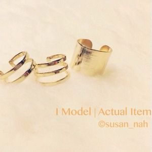 Jewelry - Set of 3 gold metallic thick rings