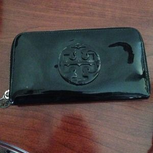 Authentic Tory Burch wallet-reduced!