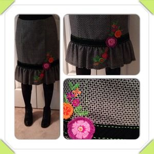 AMAZING RARE NL vintage skirt! Worn once.