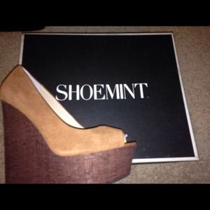 saleShoemint Courtney chestnut sz 5.5
