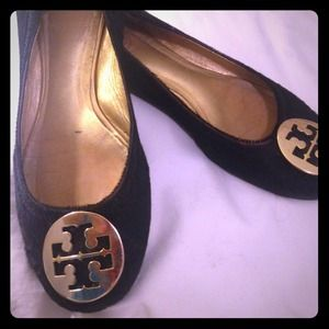 Tory Burch flats! black calf hair. size 8.