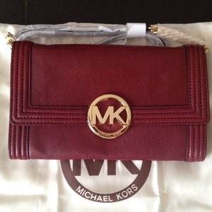 MICHAEL Michael Kors Clutches & Wallets - NWT MICHAEL KORS FULTON RED CLUTCH CROSSBODY