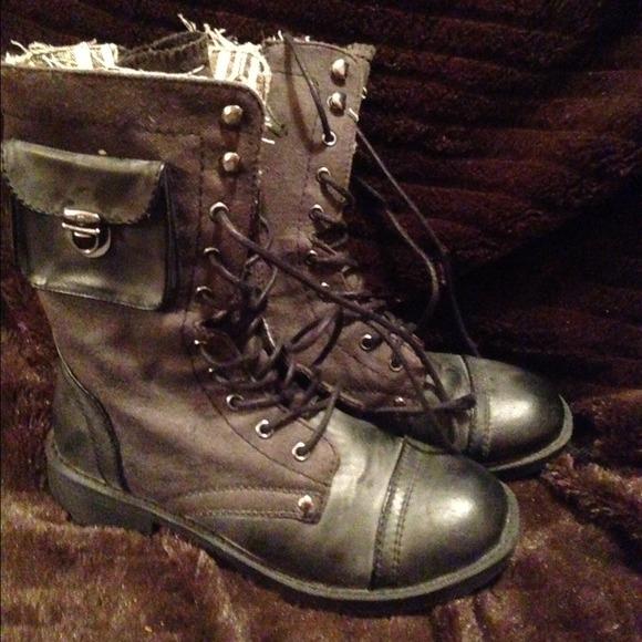 Black Roxy Combat Boots   Poshmark