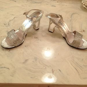 Shoes - Chic clear heel crystal silver sandal