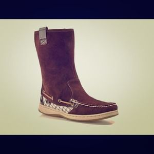 Sperry Sandfish leather boots