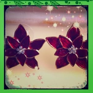 Pretty Red Poinsettia Stud Earrings!!