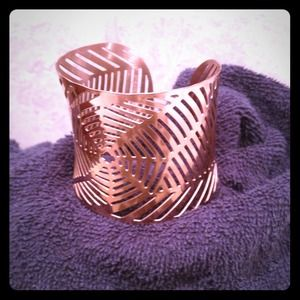 NWOT tribal design rose gold cuff-stainless steel