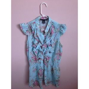 ❌SOLD❌ Ruffles sheer floral blouse