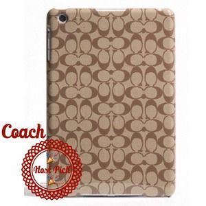 Coach Handbags - COACH SIGNATURE MINI IPAD CASE 🎉HOST PICK🎉BNWT