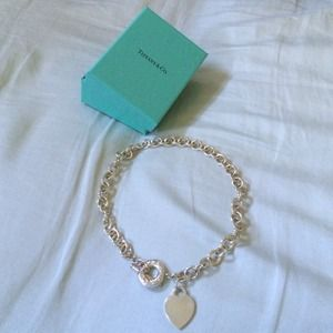 Auth. Tiffany & Co. Heart tag silver necklace