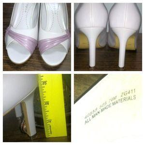 Apostrophe Shoes - Apostrophe Lilac Peep Toe Heels 7 1/2M