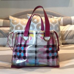 Burberry Handbags - ❤️Authentic Burberry Large Purse ❤️