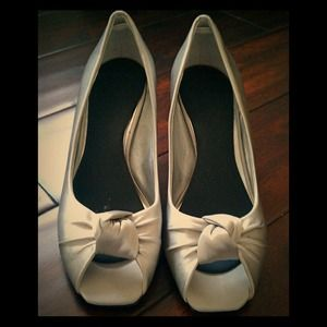 Gray satin peep toe special occasion pumps