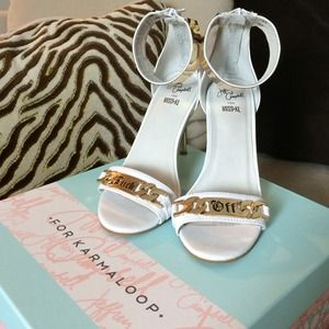 Jeffrey Campbell Malice F OFF Shoe Gold & White 7
