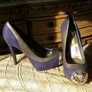 Shoes - Jennifer Lopez blue and gold shoes.