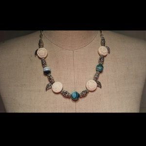 Jewelry - Dyed agate sapphire necklace